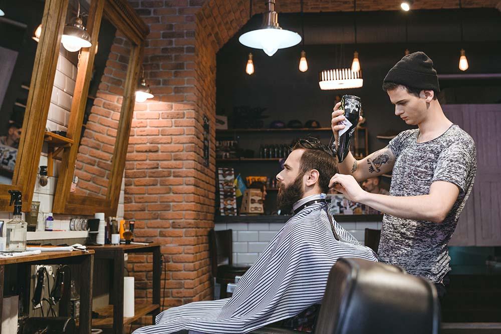 Come aprire un centro di bellezza con acconciatore, estetica, tatuatore, onicotecnica e body piercing